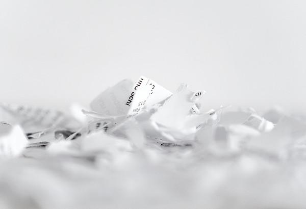 papel triturado por destructora de papel