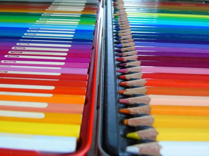 Caja metálica de lápices acuarelables